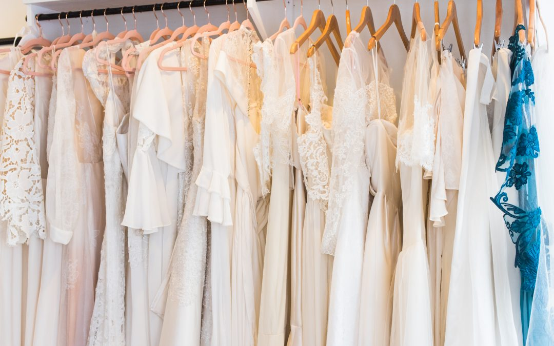 """8 things every bride should know when wedding dress shopping"""